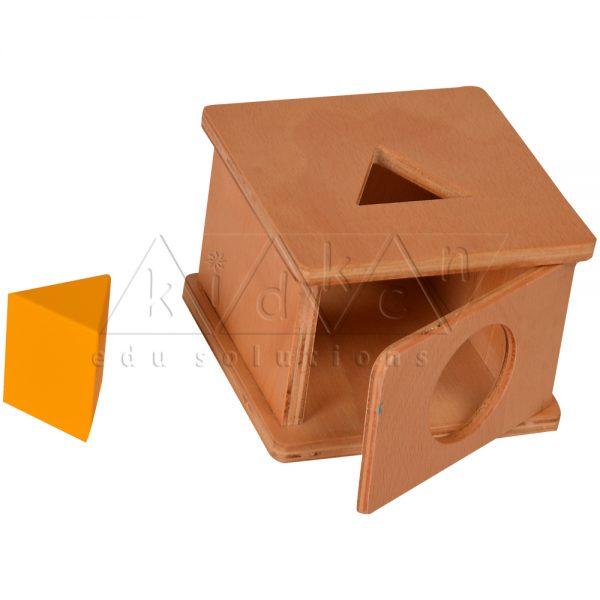 TM04-Imbucare-Box-with-Triangular-Prism-.jpg